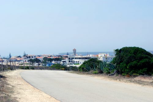 One hour and thirty minutes from Faro airport by car, Sagres offers a unique vacation destination, combining natural wonders with a sense of security and ample recreational opportunities.